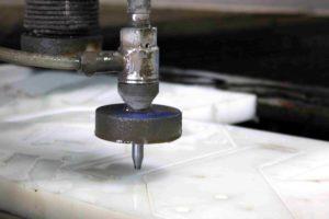 corte-agua-metal